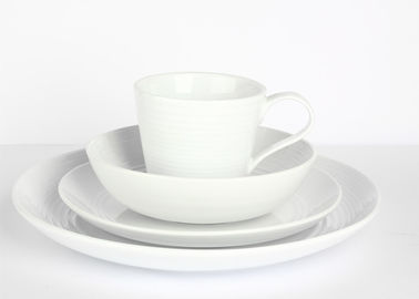 Embossment Design Cream Colored Dinnerware Sets 16pcs For Home / Restaurants