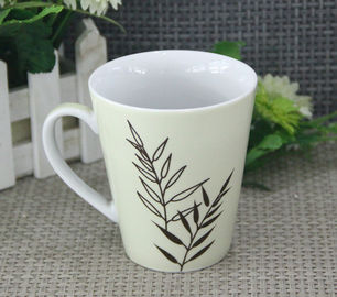 China Food Safety 300ml White Porcelain Mugs With Round / Organic Shape supplier